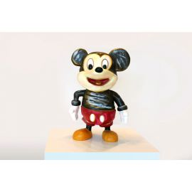 """""""What's Up"""" Mickey Sculpture - (40 cm)"""