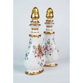 A Pair of Guangcai Porcelain Perfume Bottles with Crest Symbol from Samson Ceramics 20th Century